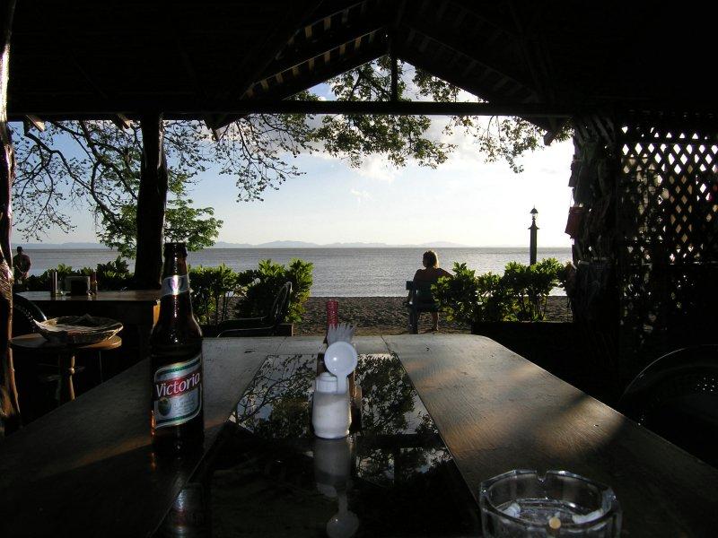 and the restaurant looks onto Lago Nicaragua