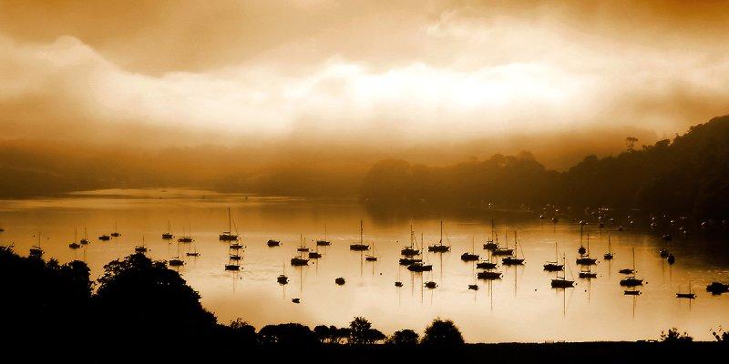 Morning mist at Dittisham