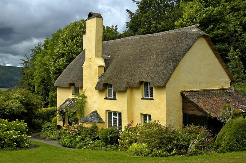 Thatched house, Selworthy, Somerset (5025)