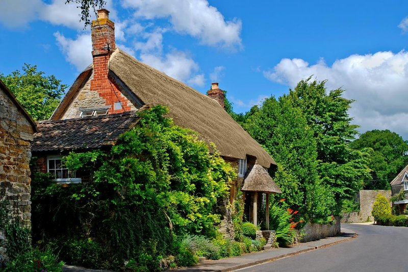 Chocolate box cottage, East Coker