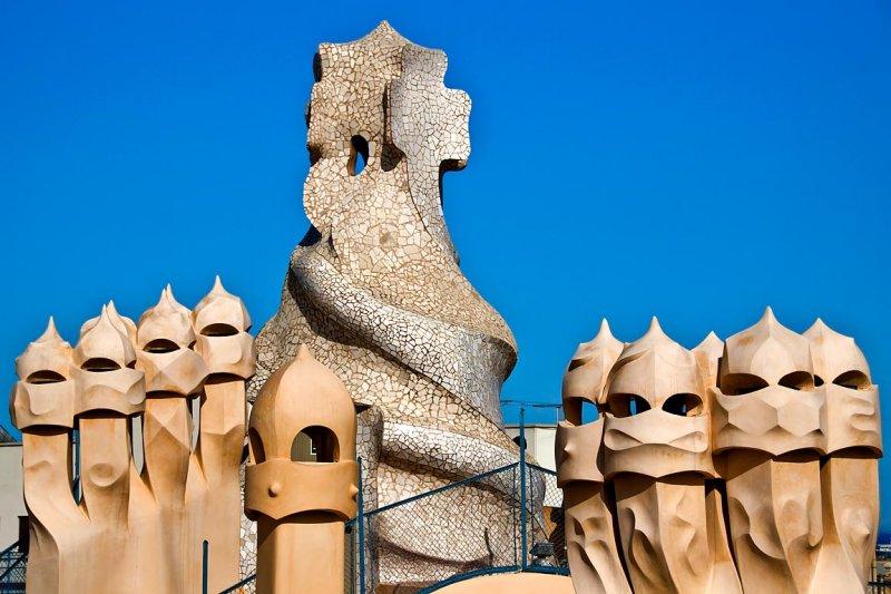 Statues, La Pedrera