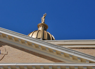 Hendersonville Courthouse abstract