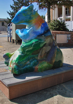 Bearfootin in downtown Hendersonville
