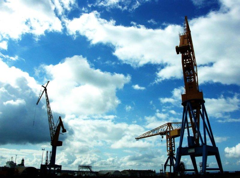 Les grues du port de Brest