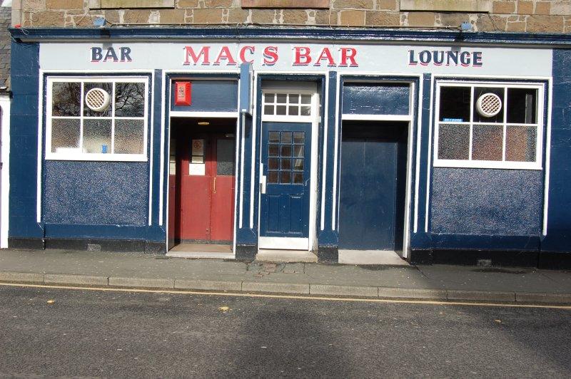 Macs Bar