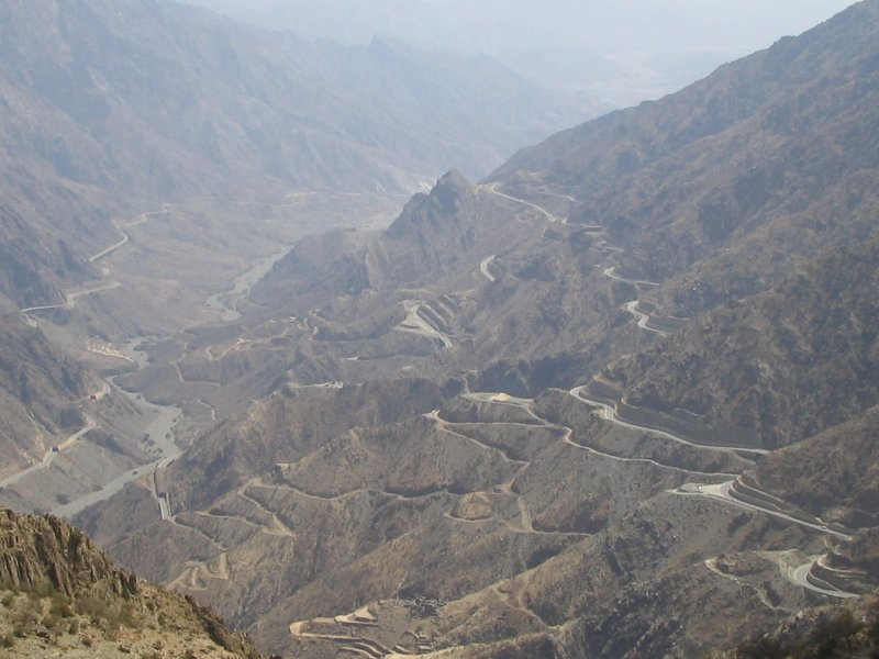 Al-Baha escarpment - 25KM with 25 Tunnels.JPG