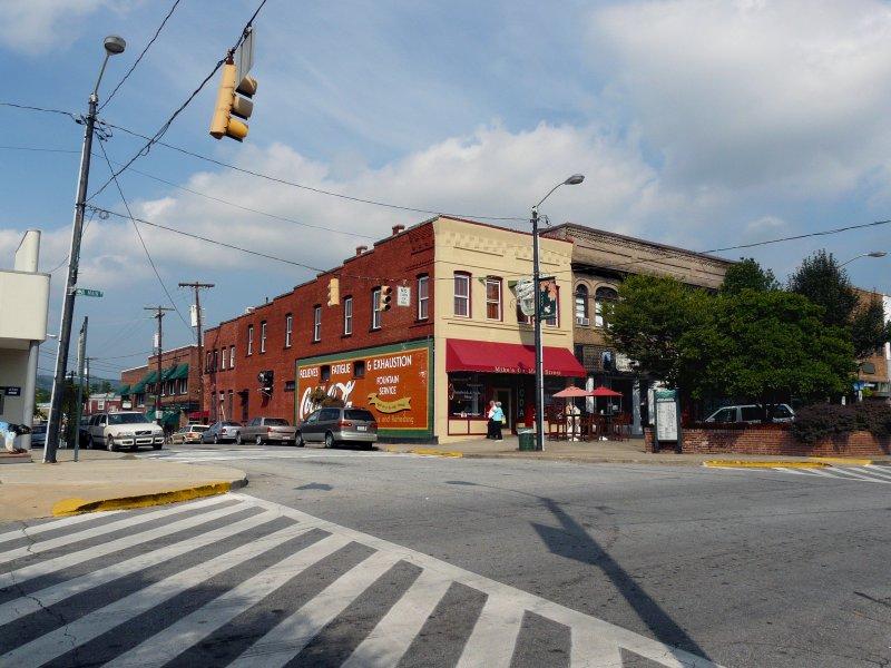THE OLD HENDERSONVILLE, NC DRUG STORE