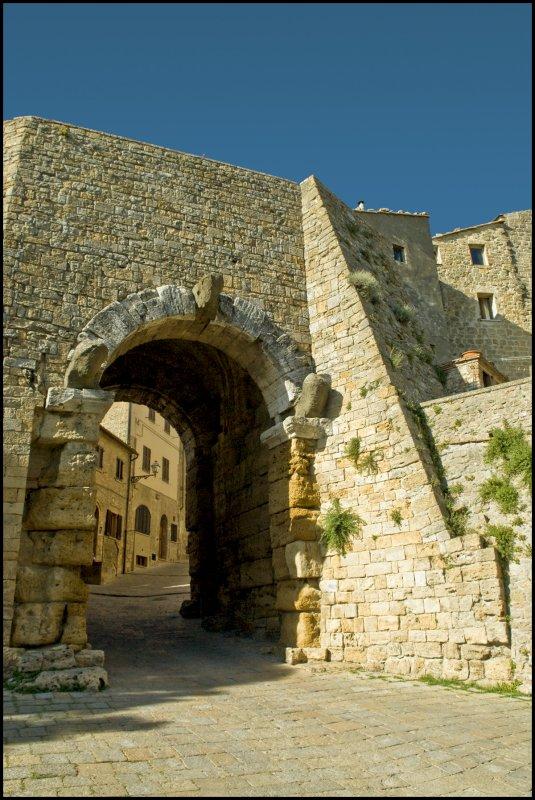 Etruscan Gate, Voltera