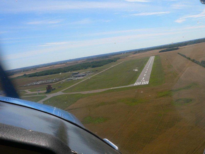 Runway approach.jpg
