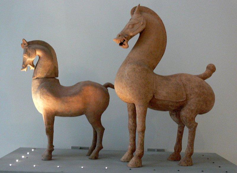 Standing horse - Eastern Han dynasty
