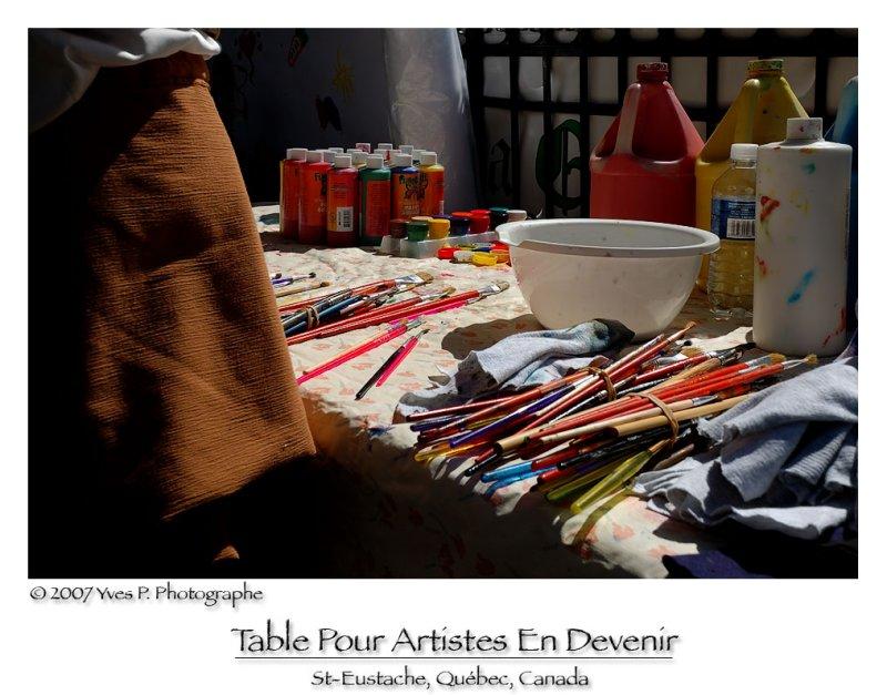 Table pour artistes en devenir