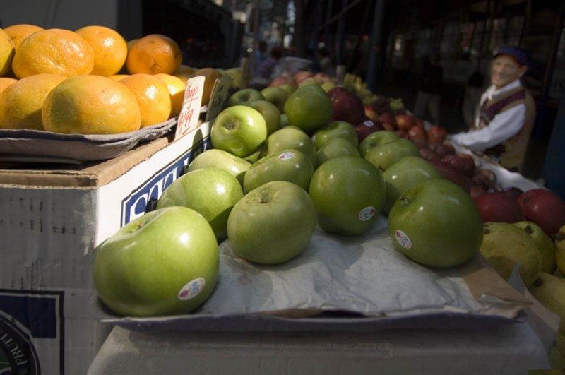 apple cart.jpg