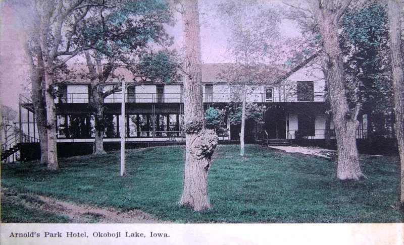 Arnolds Park Hotel