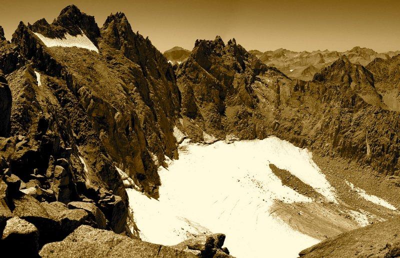 Palisade peaks and the Palisade Glacier - Pano