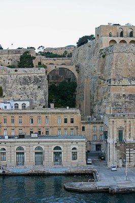 Valleta 14
