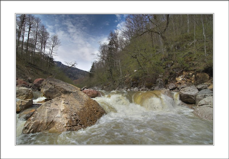 first stage of 6 waterfalls rapid (6+ class)