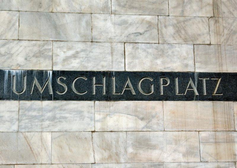 Umschlagplatz Monument