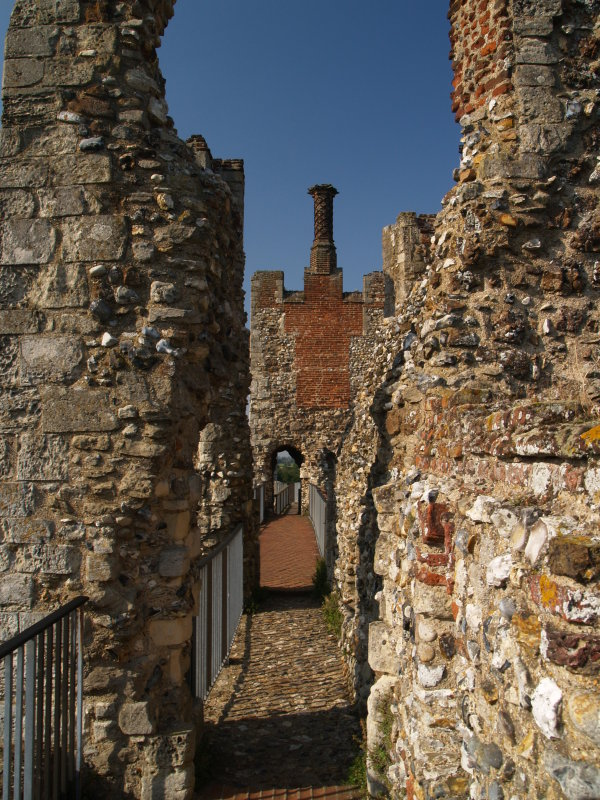 Framlingham Castle,the Wallwalk,East range