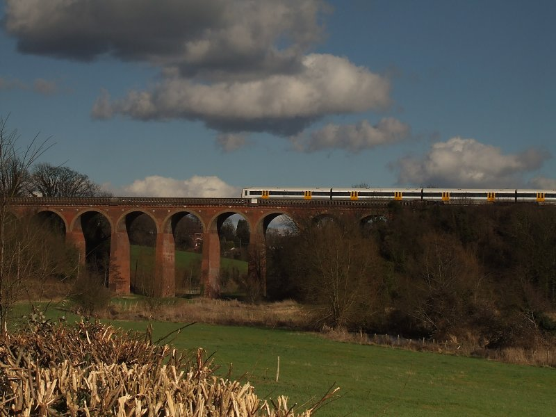 Train on the viaduct across the Darenth Valley