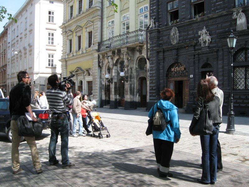 now we are on the old town square to see some of the oldest parts of Lviv