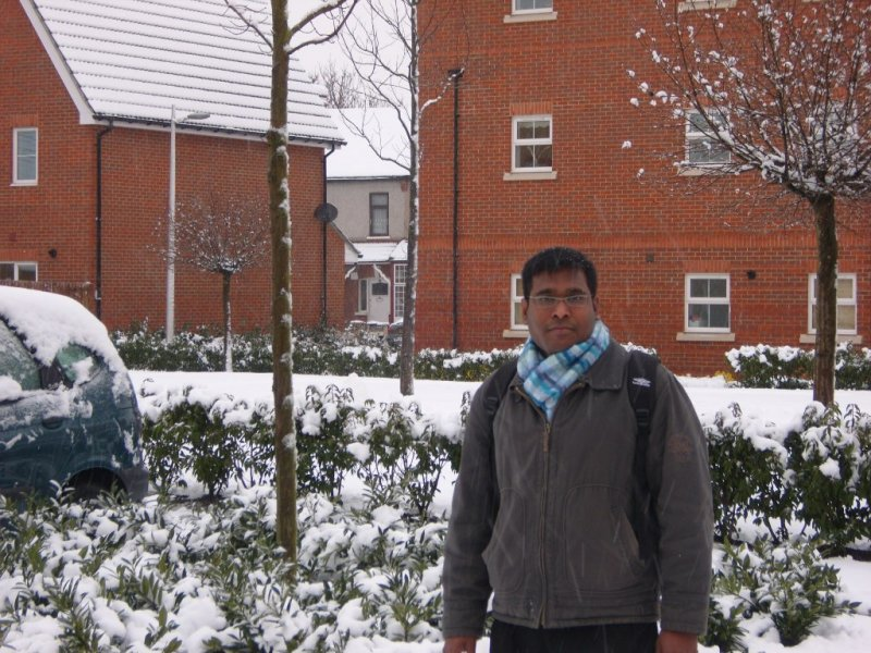 Ananth_in_Snow.JPG