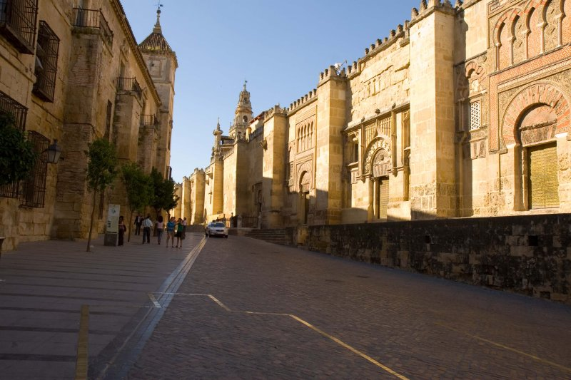 Mezquita exterior (on the right)