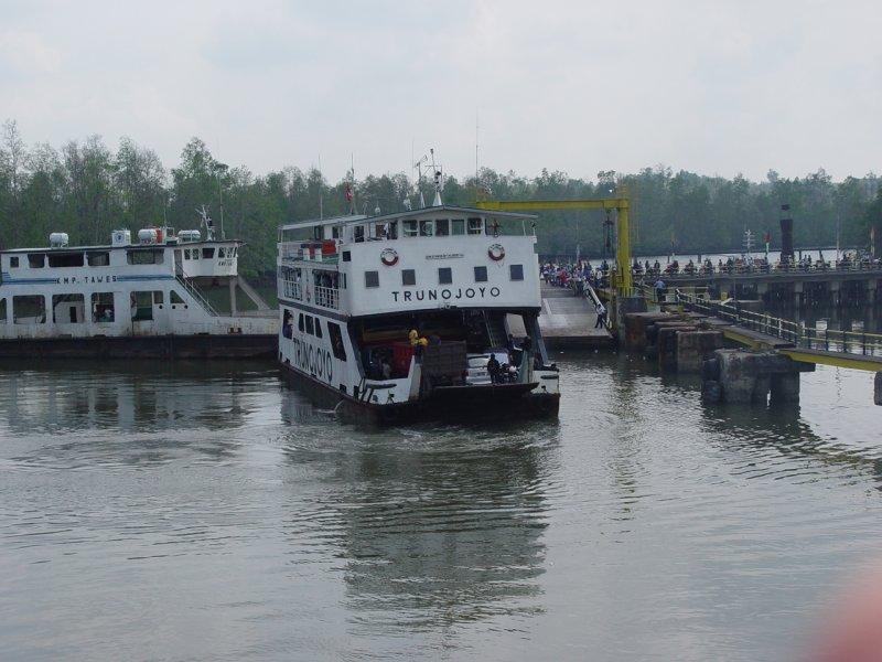 Ferry Teluk Balikpapan