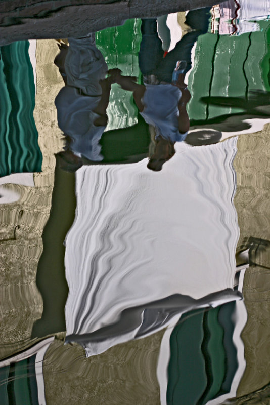 walking under reflected laundry