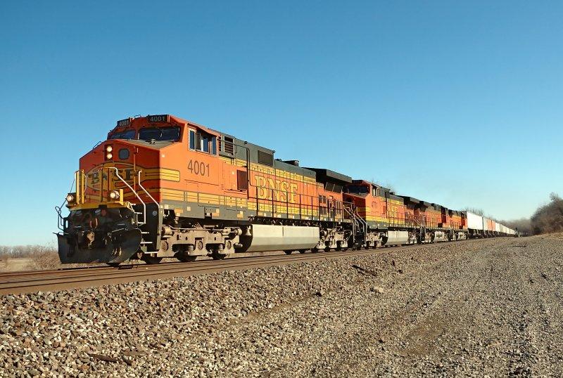 BNSF 4001 Headed into KC MO