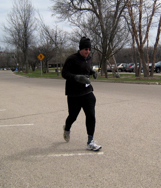 Alarik Rosenlund (finishes in 9:37:42)