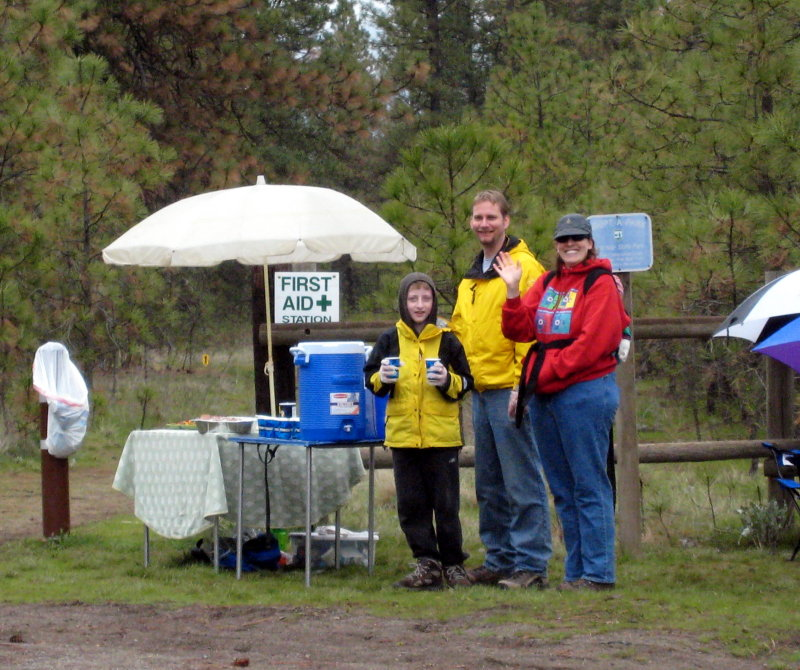 awesome aid station volunteers