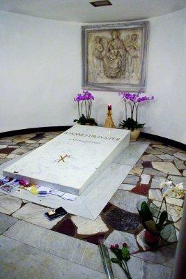 JP II's tomb