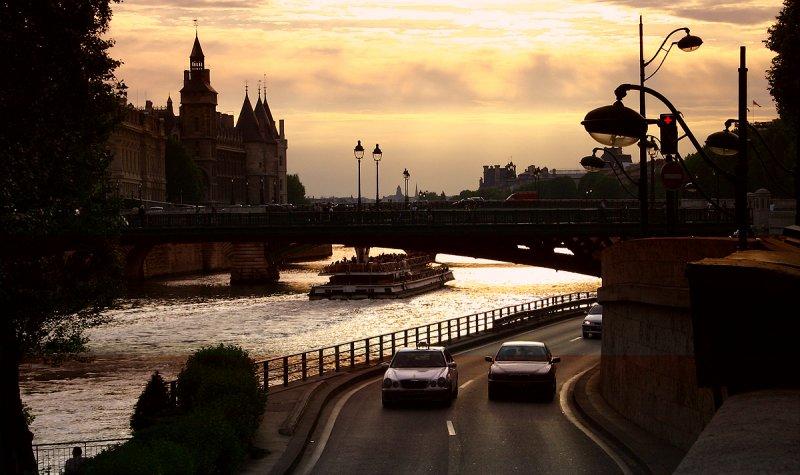 Paris @ sunrise