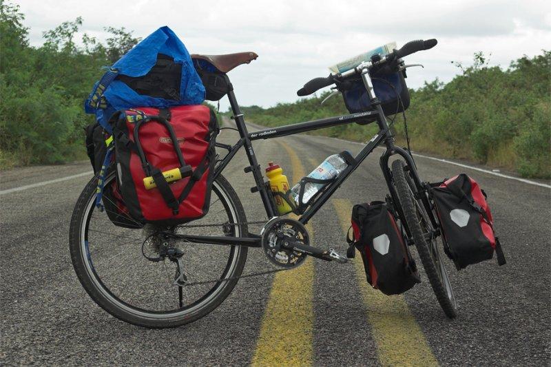 170  Gerardo - Touring Mexico - VSF T400 touring bike