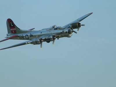 B17 Flyby-Cape Air Festival 06
