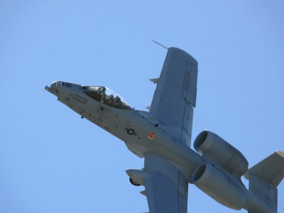 A-10 Thunderbolt II makes a tight turn