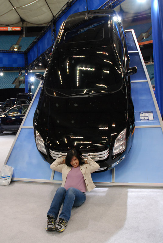 Auto Show 3 (somebody give me a hand...anyone?)