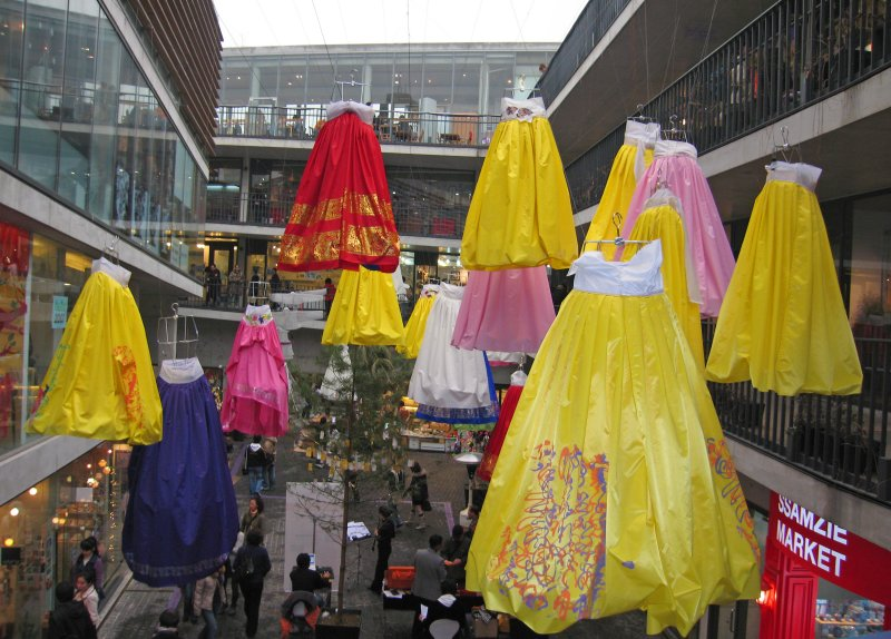 Floating Hanboks