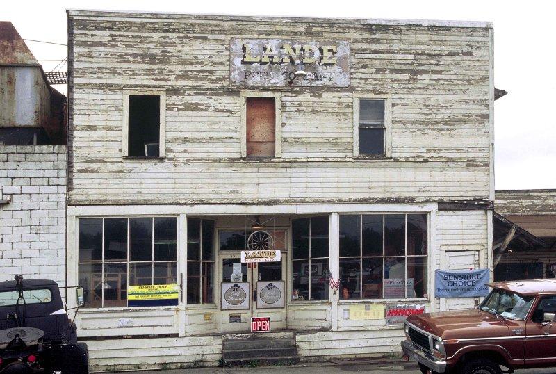 Lande Feed store, building front (razed in 2002)