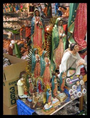 Icons at the Mercado de ELA