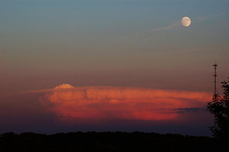 Moon & Thunderhead over Missouri