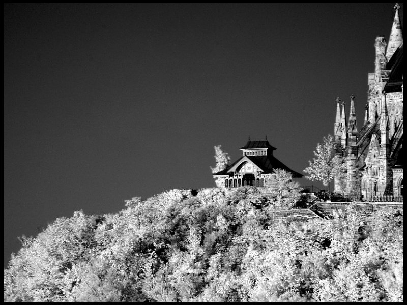 Infrared, Pagota in Ottawa