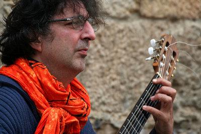 Videoclip of Felix Manye Rodriguez, of Volterra, is below.