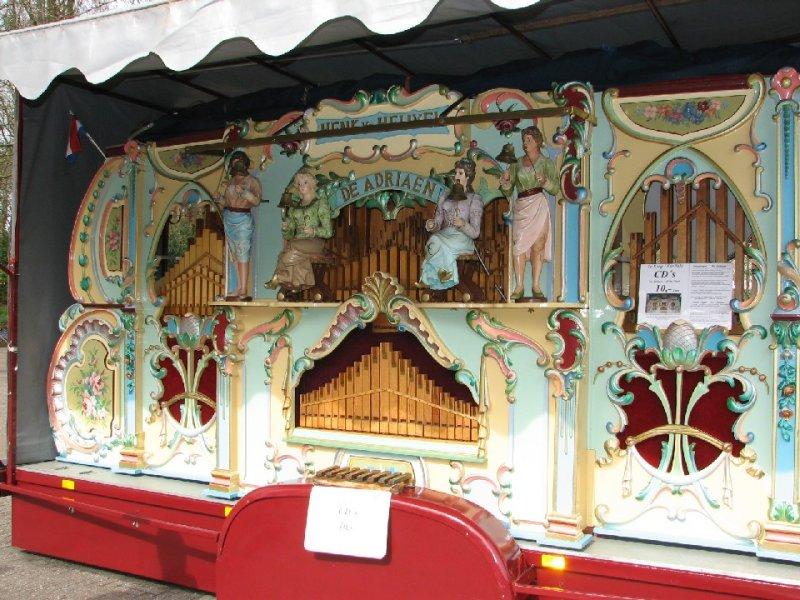 Dutch folk music machine :)