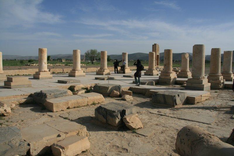 Audience Hall of the Pasargadae Palace. - Ontvangstzaal van het Pasargadae paleis.