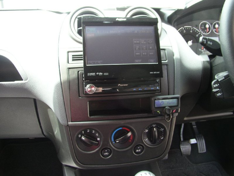New Ford Fiesta with Parrot CK3100 and DVD unit.JPG