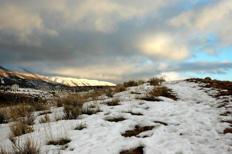 Mountain Scene uploaded Jan 31 2005 smallfile dsc_2842.jpg