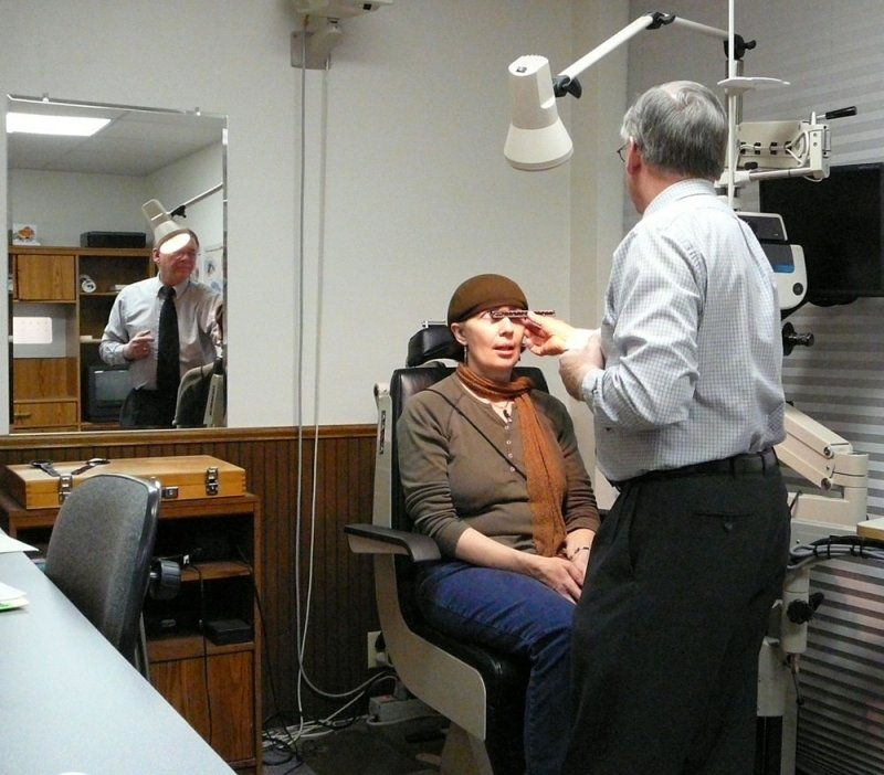 Optometrist Dr. Michael Flandro at Work P1010042