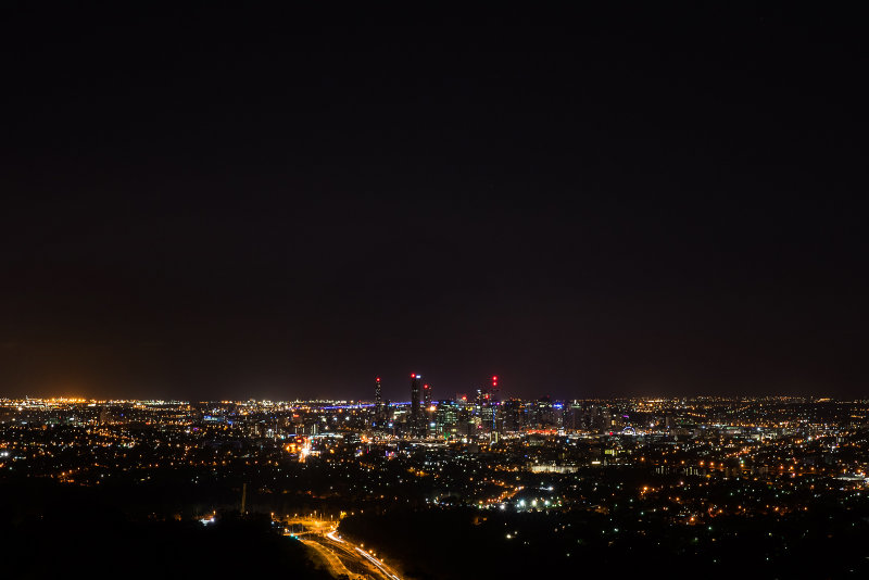 Night view of Brisbane from Mount Coo-tha.