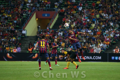 Jordi Alba heads